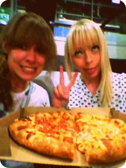 Pizza snack with Shivvy ^_^